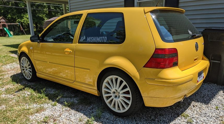 Main photo of Timothy Brown's 2003 Volkswagen Golf