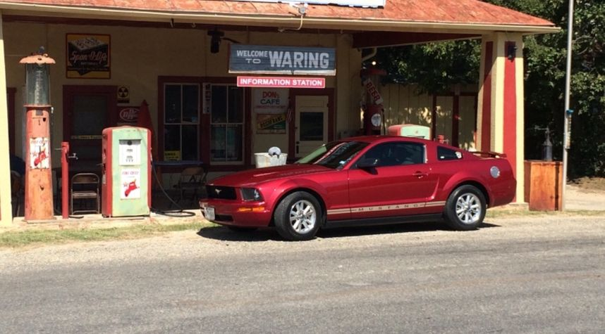 Main photo of Lee Yoder's 2006 Ford Mustang