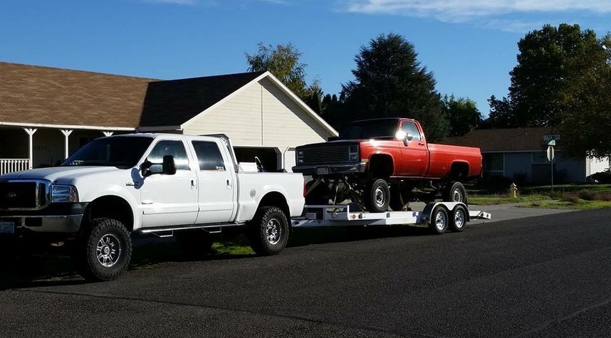 Main photo of Christopher Hevly's 2002 Ford F-250 Super Duty