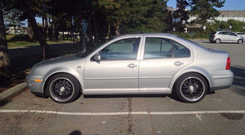 Main photo of Ian Hayashi's 2002 Volkswagen Jetta