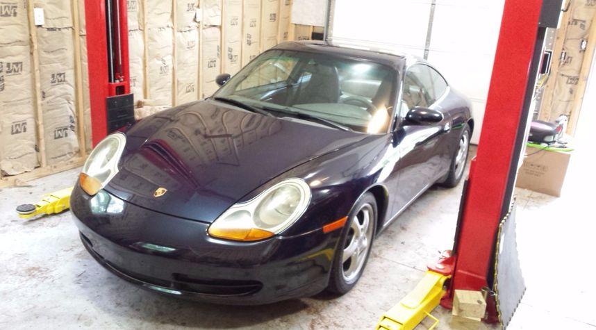 Main photo of Nathan Jackson's 1999 Porsche 911
