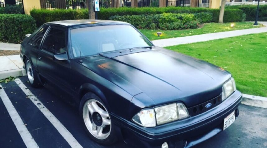 Main photo of Cameron Wilson's 1987 Ford Mustang