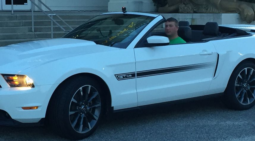 Main photo of Shelly  Shakinas's 2012 Ford Mustang