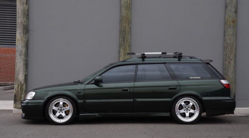 Main photo of Aaron Turner's 2000 Subaru Outback