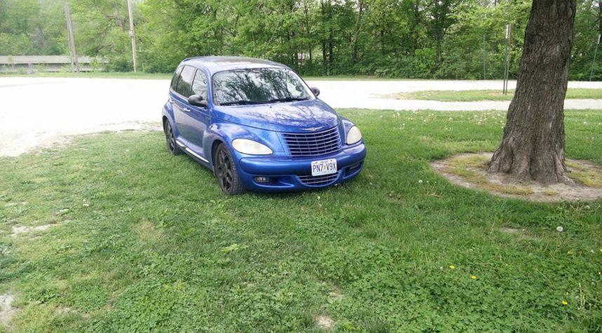 Main photo of Matthew Neuforth's 2005 Chrysler PT Cruiser