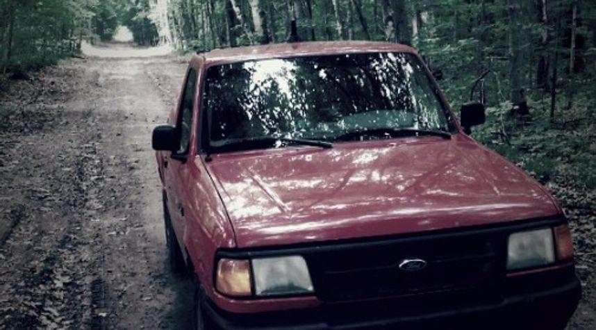 Main photo of Brendan Knelsen's 1996 Ford Ranger