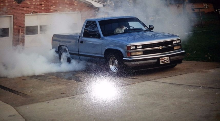 Main photo of Danny Barnes's 1990 Chevrolet C/K 1500 Series
