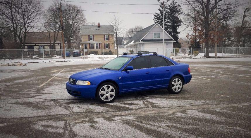 Main photo of Dan De's 2001 Audi S4