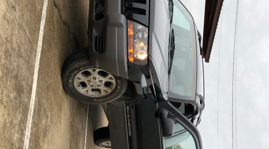 Main photo of Parker McClure's 2001 Jeep Grand Cherokee