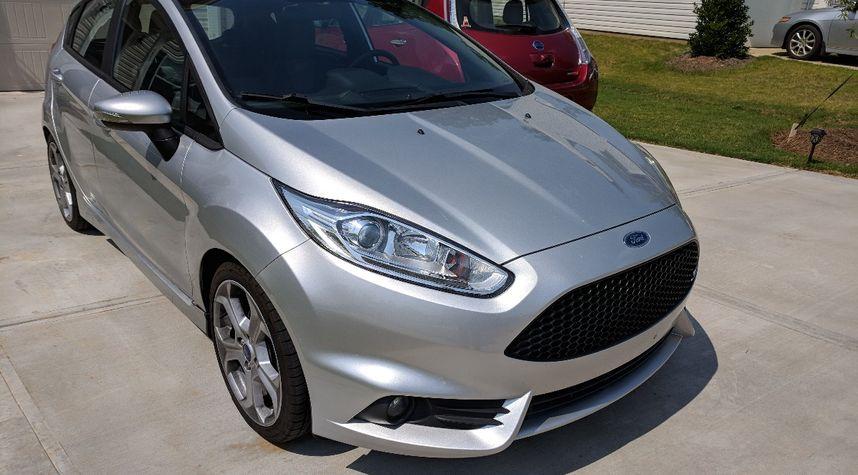 Main photo of David Hunt's 2014 Ford Fiesta