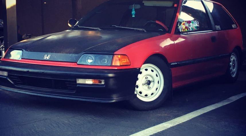 Main photo of Matthew Gastelo's 1990 Honda Civic
