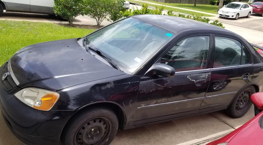 Main photo of Michael Richard's 2001 Honda Civic