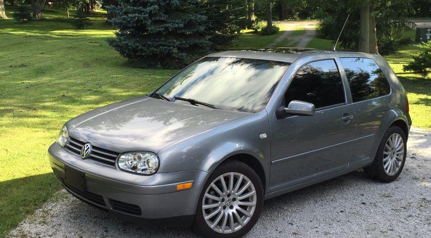 Main photo of Isaac Albano's 2005 Volkswagen GTI