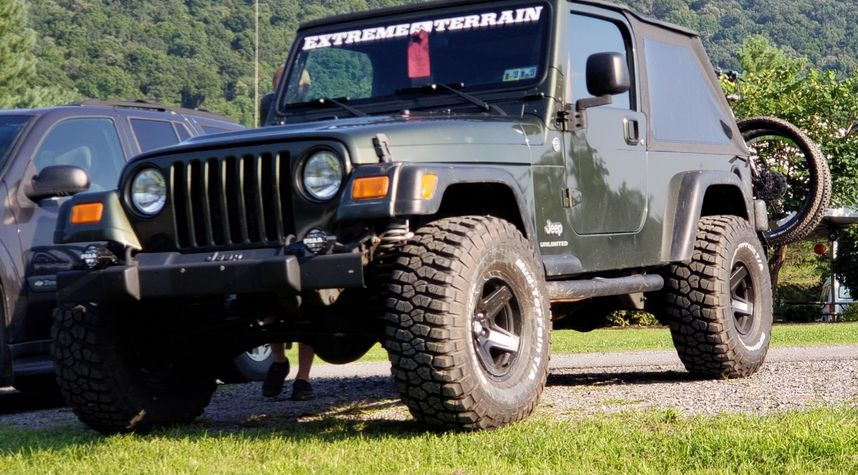 Main photo of Ross Folmar's 2006 Jeep Wrangler