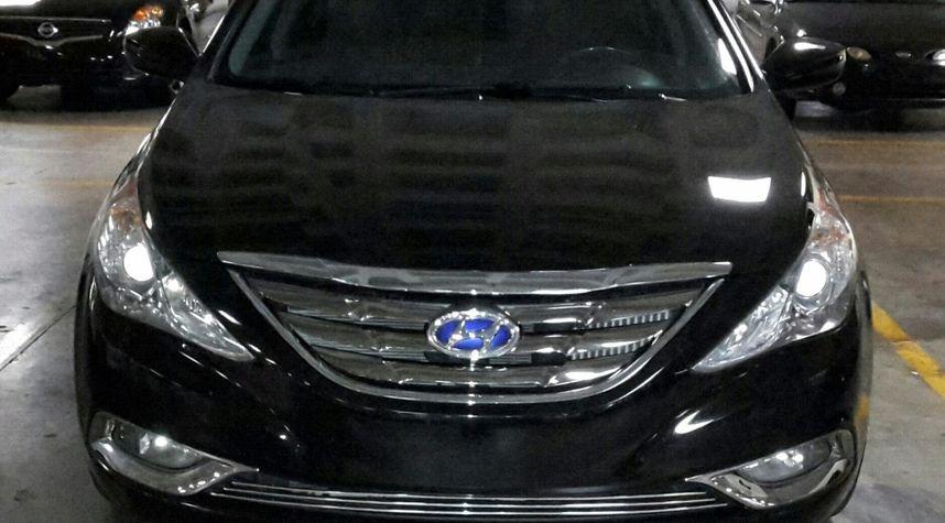 Main photo of Carlos Melendez's 2011 Hyundai Sonata