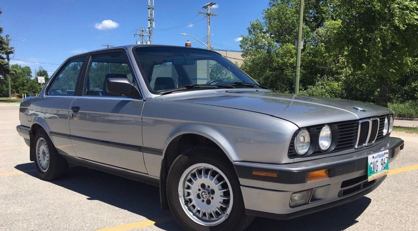 Main photo of Colby Steiner's 1990 BMW 3 Series