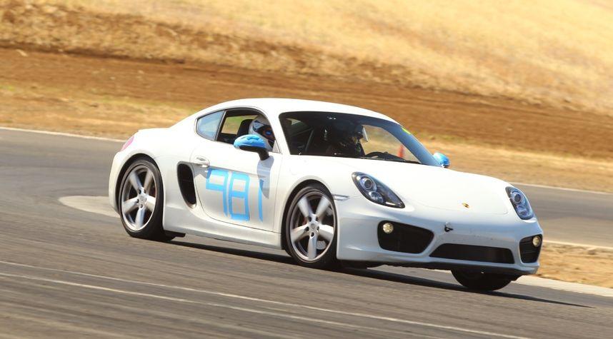 Main photo of Jahan Minoo's 2014 Porsche Cayman S