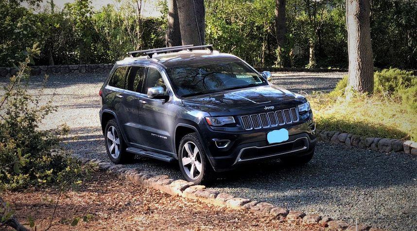 Main photo of Jonathan Hoopes's 2014 Jeep Grand Cherokee