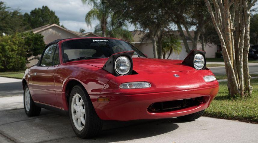 Main photo of Bryce Womeldurf's 1995 Mazda MX-5 Miata