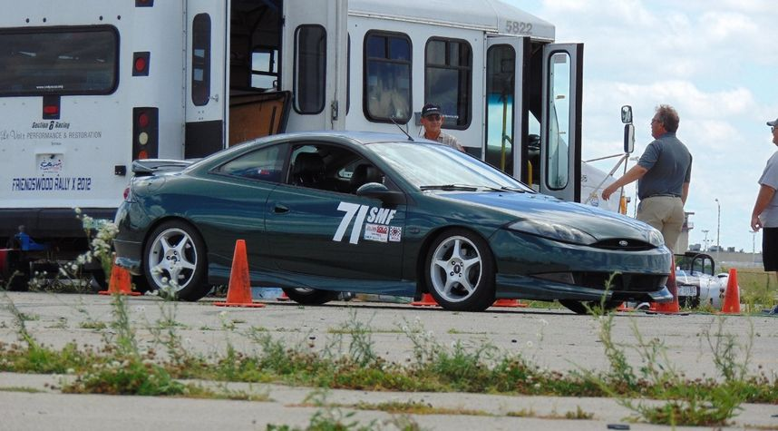 Main photo of Andy Bennett's 2000 Mercury Cougar