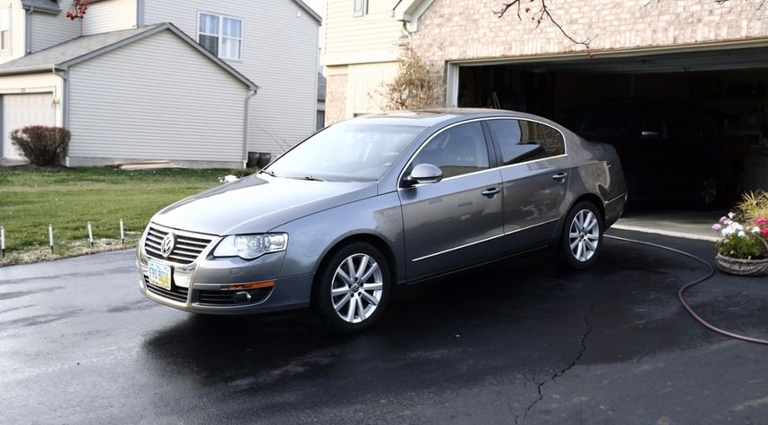 Main photo of James Stoops's 2006 Volkswagen Passat