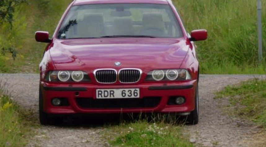 Main photo of Dan Backman's 2000 BMW 5 Series