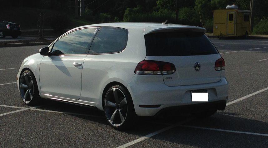 Main photo of Taylor Prewett's 2012 Volkswagen GTI