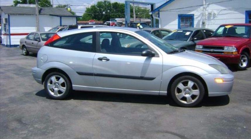 Main photo of Zachary Jones's 2003 Ford Focus