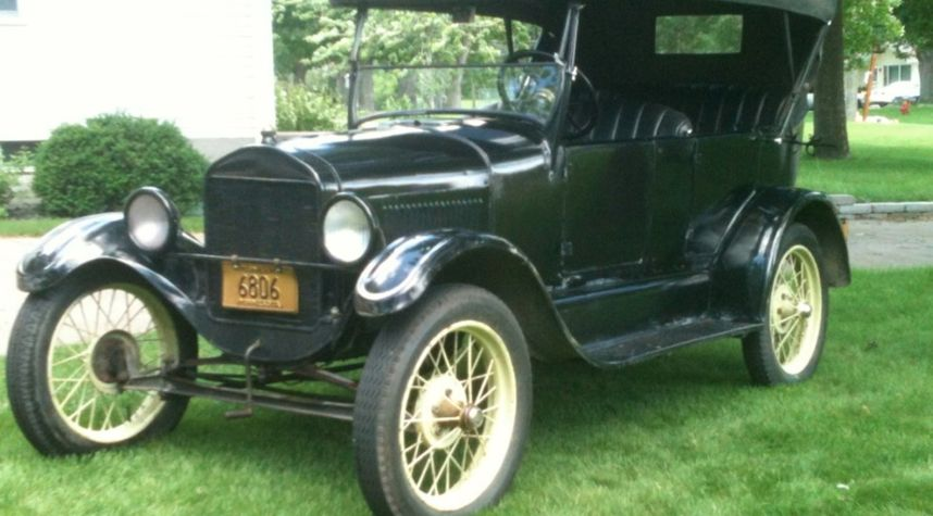 Main photo of Chris Sand's 1926 Ford Model T