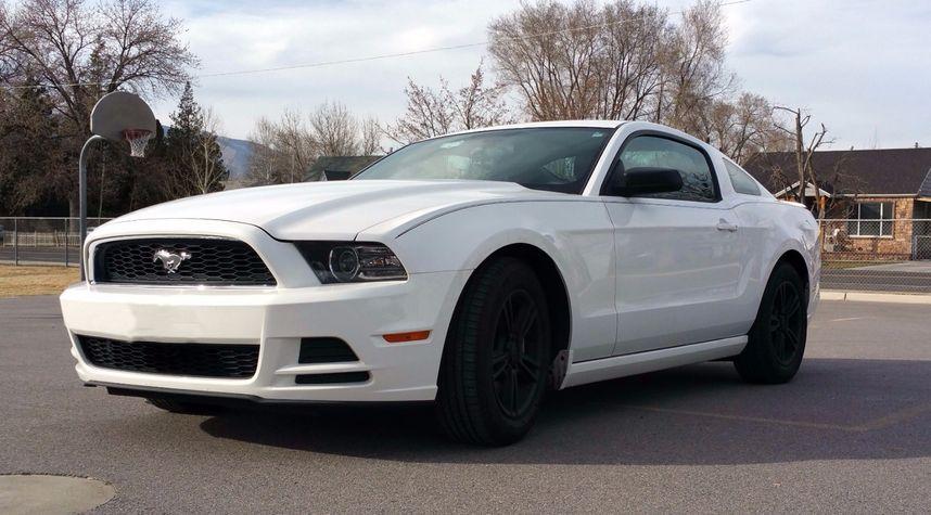 Main photo of Richard Bird's 2013 Ford Mustang