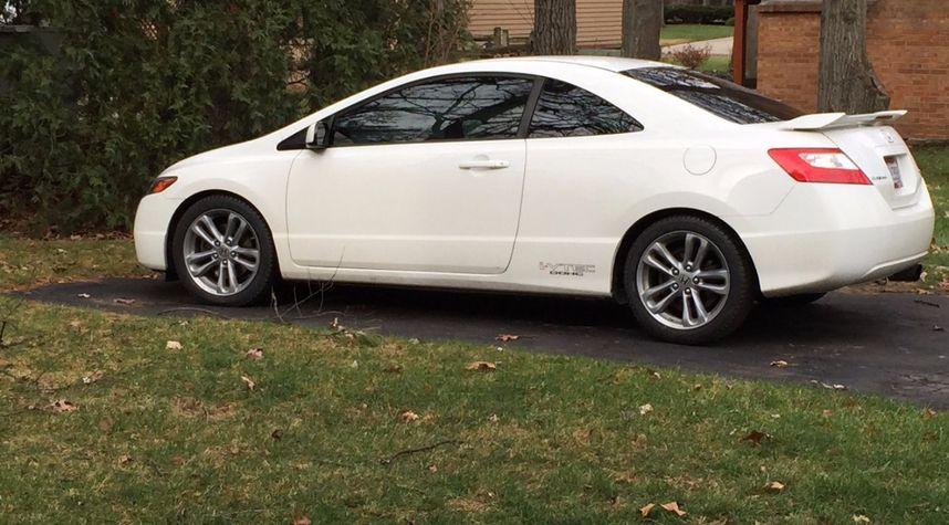 Main photo of Christopher Vergara's 2008 Honda Civic