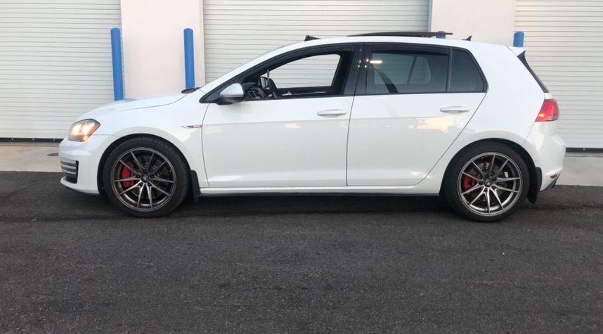 Main photo of Malik Joemmankhan's 2015 Volkswagen GTI