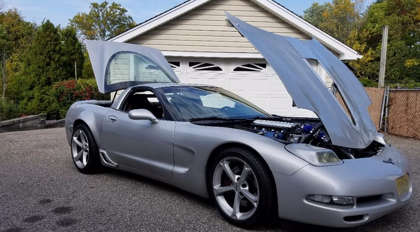 Main photo of Michael Anthony's 1998 Chevrolet Corvette