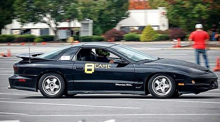 Main photo of Hunter Guyer's 1998 Pontiac Firebird