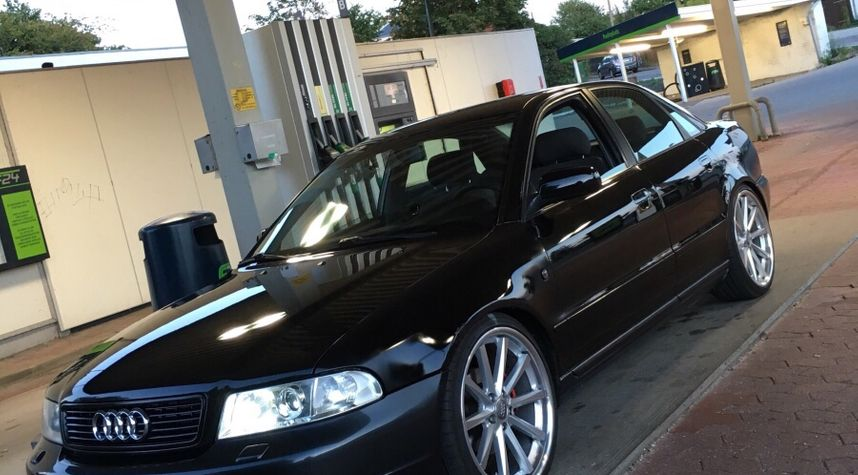 Main photo of Mads Therkelsen's 1998 Audi A4