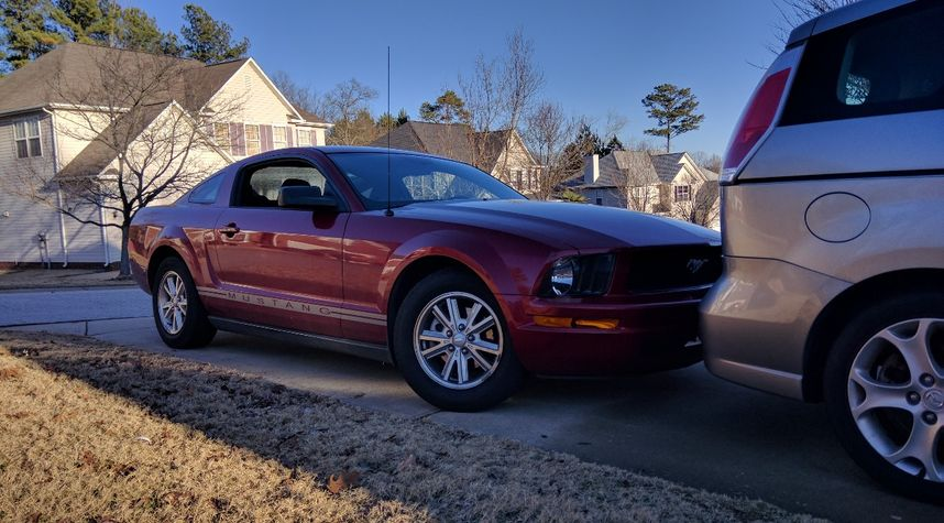 Main photo of Ben Phillips's 2008 Ford Mustang