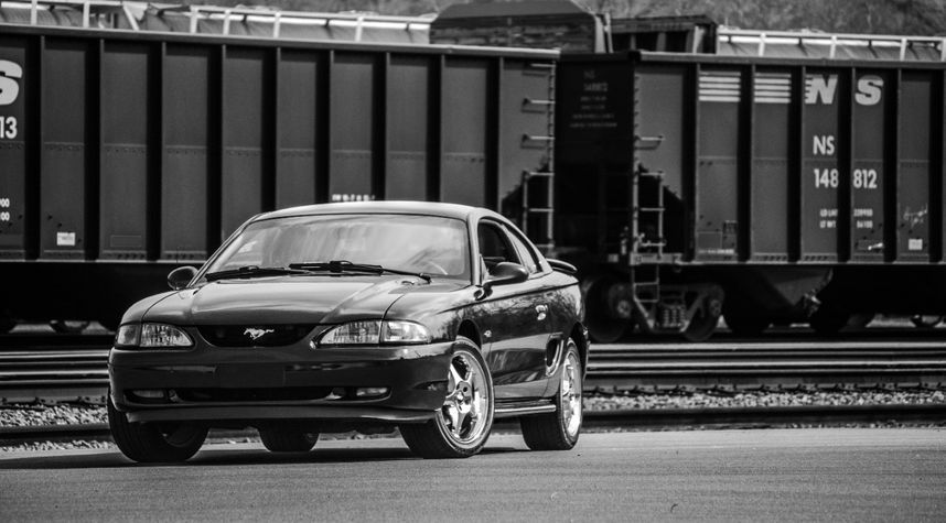 Main photo of Josh Fowler's 1997 Ford Mustang