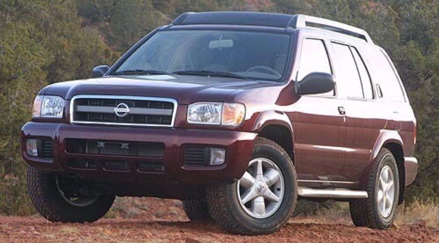 Main photo of Jacob Rasmussen's 2002 Nissan Pathfinder