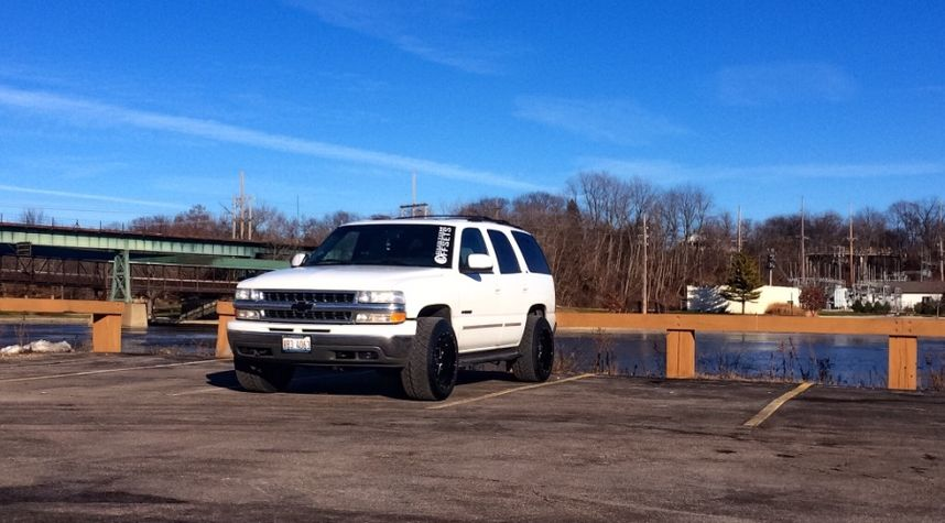 Main photo of Nick Chorostecki's 2001 Chevrolet Tahoe