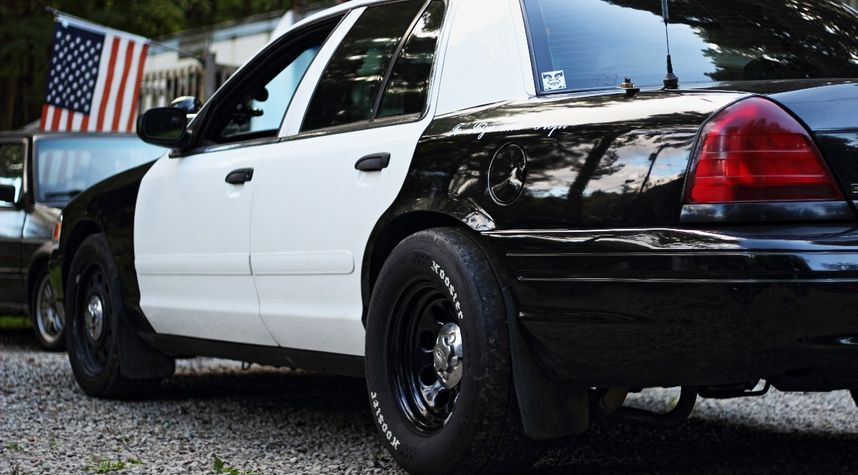 Main photo of Adam Mcmillen's 2006 Ford Crown Victoria
