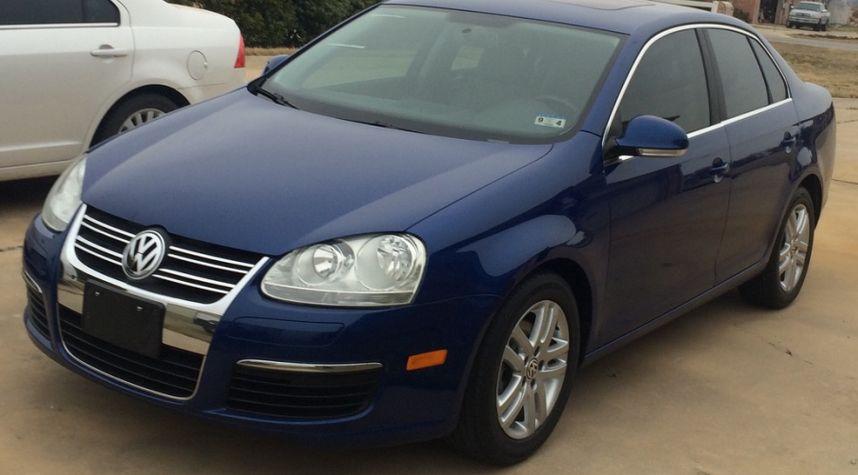 Main photo of Skylar Hill's 2009 Volkswagen Jetta