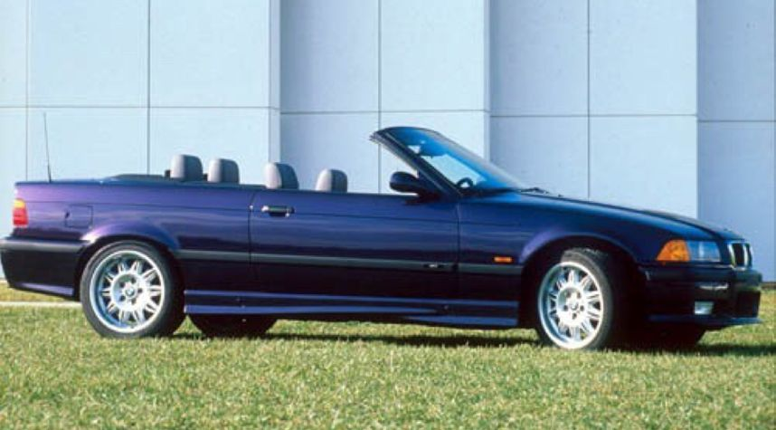 Main photo of Alex Savage's 1999 BMW M3