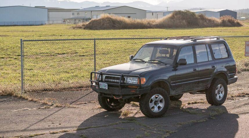 Main photo of Rex Huggins's 1994 Toyota Land Cruiser