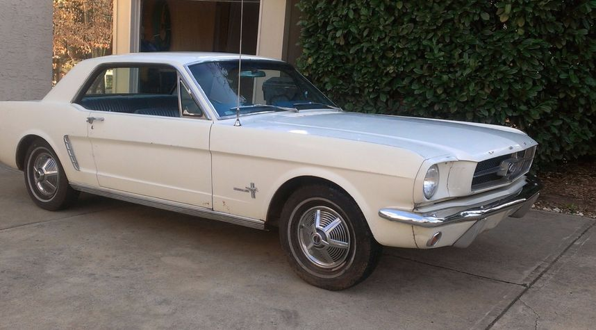 Main photo of Connor Pence's 1965 Ford Mustang