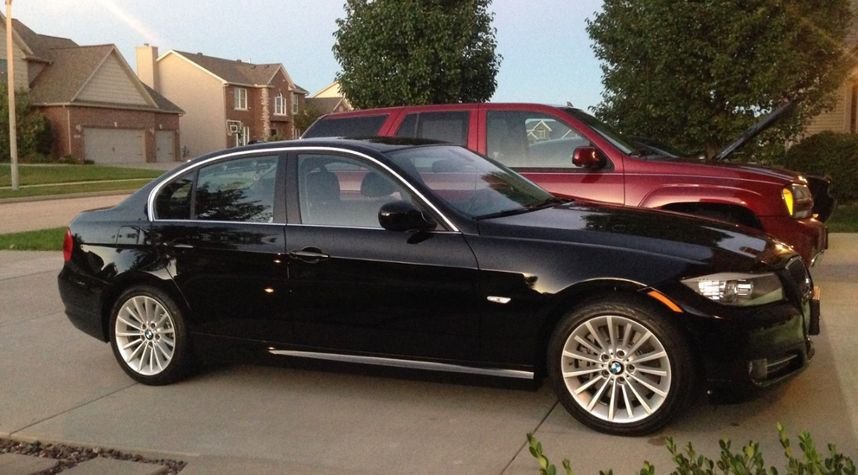 Main photo of Justin Carr's 2011 BMW 3 Series