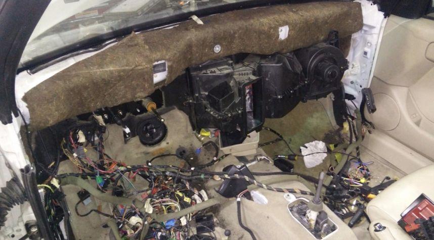 Main photo of Brian Hague's 2001 Volkswagen Cabrio