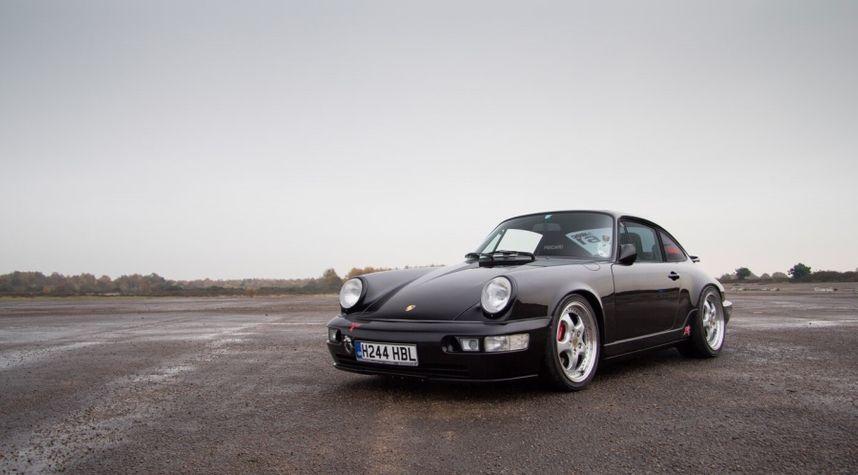 Main photo of Frank Cassidy's 1990 Porsche 911
