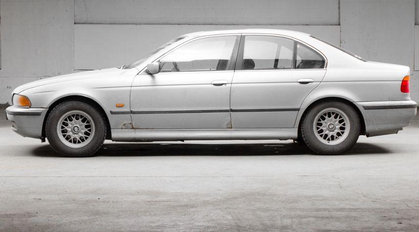 Main photo of Nathan Van Egmond's 1998 BMW 5 Series