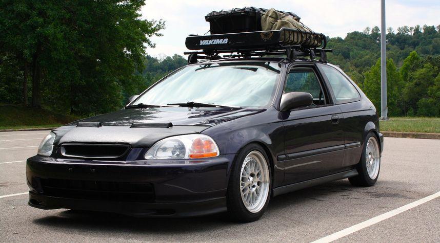 Main photo of Joshua Hash's 1998 Honda Civic