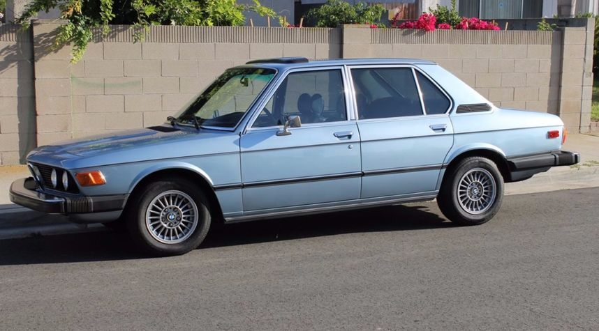 Main photo of Michael Shoemaker's 1976 BMW 530
